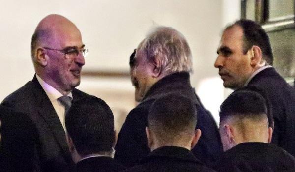 Στην Αθήνα ο Χαφτάρ - Η συνάντηση του Νίκου Δένδια με τον Στρατάρχη