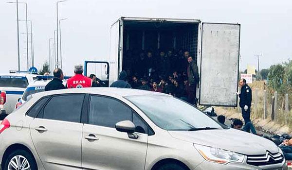 """Παραλίγο νέο """"Έσσεξ"""" στη Ξάνθη: Πάνω από 80 μετανάστες εντοπίστηκαν μέσα σε φορτηγό-ψυγείο"""
