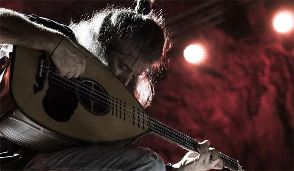 Γιάννης Χαρούλης: Αναβλήθηκε η συναυλία της Τρίτης 11 Ιουνίου. Τι γίνεται με τα εισιτήρια
