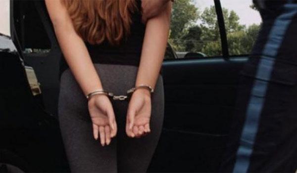 Στο δικαστήριο σήμερα η Βρετανίδα για τον ομαδικό βιασμό