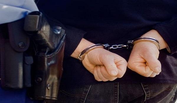 Στα χέρια της Αστυνομίας ο μαϊμού τεχνικός της ΔΕΗ που βούτηξε 110.000 ευρώ από γιαγιά