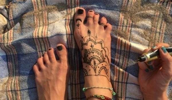 Προσοχή στα τατουάζ με μαύρη χέννα: Το Κέντρο Προστασίας Καταναλωτών προειδοποιεί!