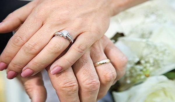 Λαμία: Το σοκ ήταν διπλό - Ανακάλυψε πως είναι παντρεμένη και μάλιστα με γυναίκα