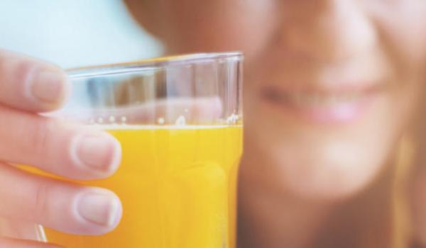 Άνοια: Ποιος φυσικός χυμός μειώνει τον κίνδυνο στο μισό