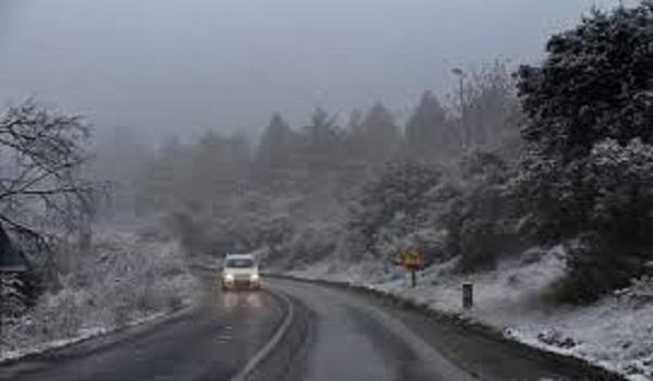 Καταιγίδες, χιόνια και τσουχτερό κρύο την Κυριακή. Νέα επιδείνωση από Δευτέρα