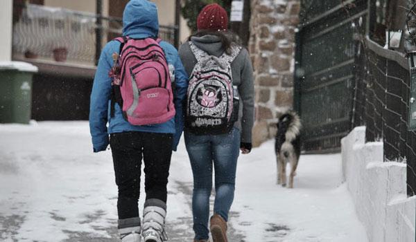 Ποια σχολεία θα μείνουν την Τρίτη κλειστά λόγω κακοκαιρίας. Τι ισχύει για την Αττική