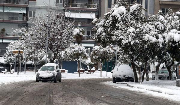 Ο Τηλέμαχος έρχεται με άγριες διαθέσεις και φέρνει χιόνι και στην Αθήνα. Που  θα το στρώσει