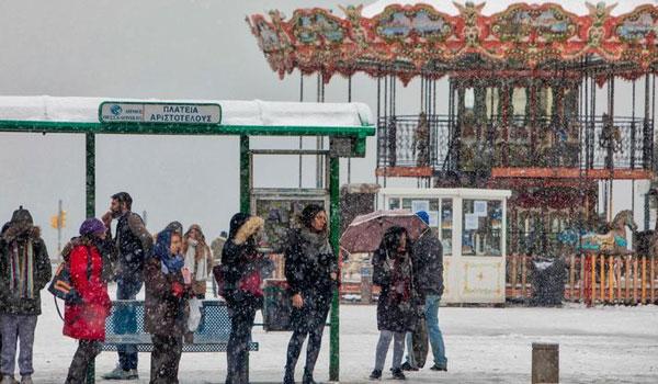 """Βροχές, πτώση της θερμοκρασίας και χιόνια - Ποιες περιοχές θα """"ντυθούν"""" στα λευκά"""