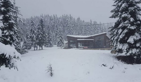 Τριάντα εκατοστά χιόνι στα ορεινά των Τρικάλων