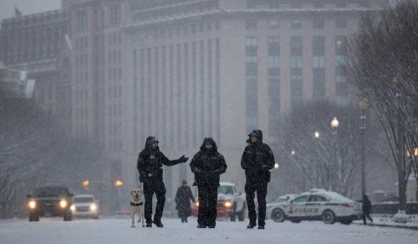 Χιονοθύελλα σαρώνει τις ΗΠΑ: 7 νεκροί, ακύρωση εκατοντάδων πτήσεων