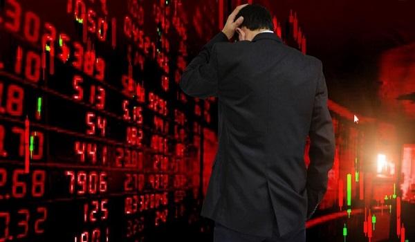 Νέα βουτιά στο Χρηματιστήριο – Βυθίστηκαν τα δεκαετή ελληνικά ομόλογα – Πιέσεις στις τράπεζες