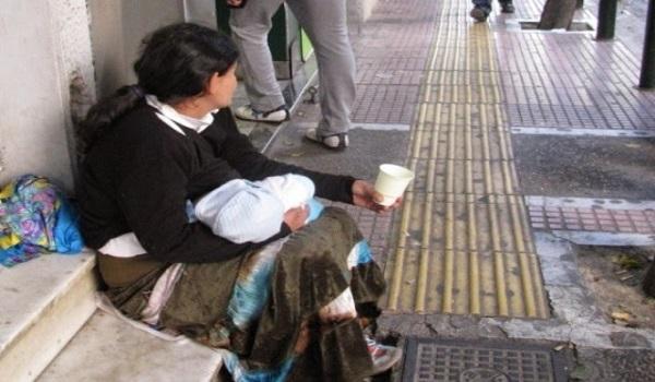 Γιατί τα παιδιά που κρατούν οι ζητιάνες κοιμούνται συνεχώς;